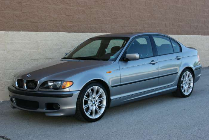 2003 BMW 330i Performance  Package