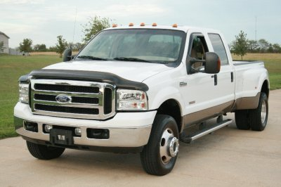 2005 Ford Super Duty F-350 DRW Lariat FX4