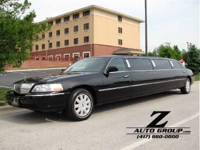 2006 Lincoln Town Car Executive w/Limousine Pkg