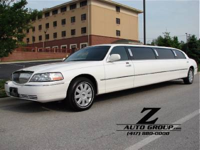 2006 Lincoln Town Car Executive w/Limousine Pkg