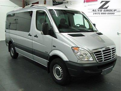 2009 Freightliner Sprinter 2500 12 Passenger Van