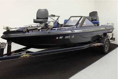 1988 Bass Boat Quickfire 18FS