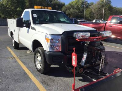 2015 Ford Super Duty F-350 SRW Reg cab 4x4 Utility with Snow Plow Clean local