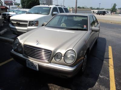 1997 Mercedes E320