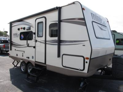 2016 FOREST RIVER ROCKWOOD RLT 2104S