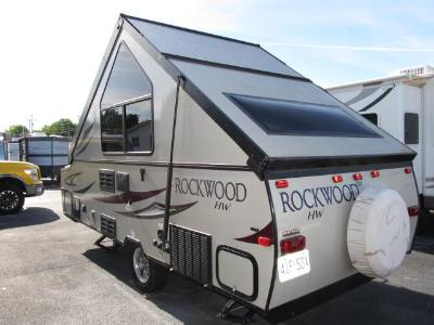 2017 FOREST RIVER ROCKWOOD PREMIER 213HW