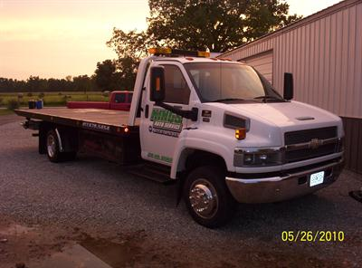 2005 Chevrolet C5500 Rollback Wrecker Chevron Steel Bed with Wheel Lift