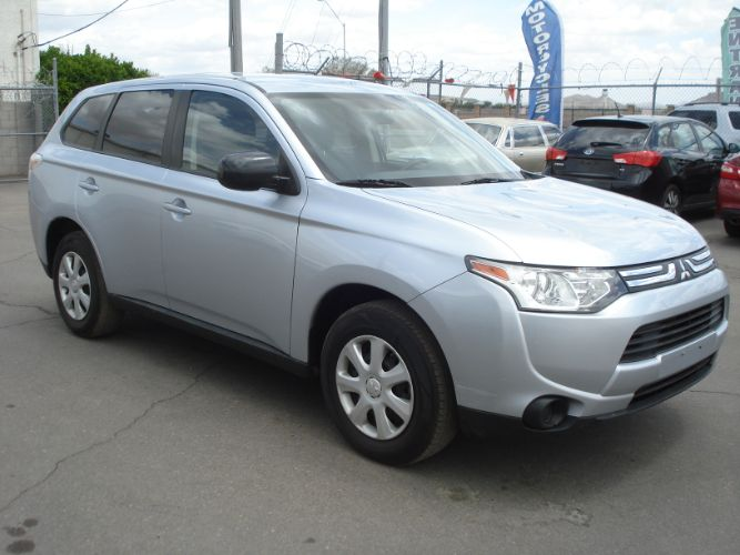 2014 Mitsubishi Outlander Low Miles, 3rd Row, Finance Available
