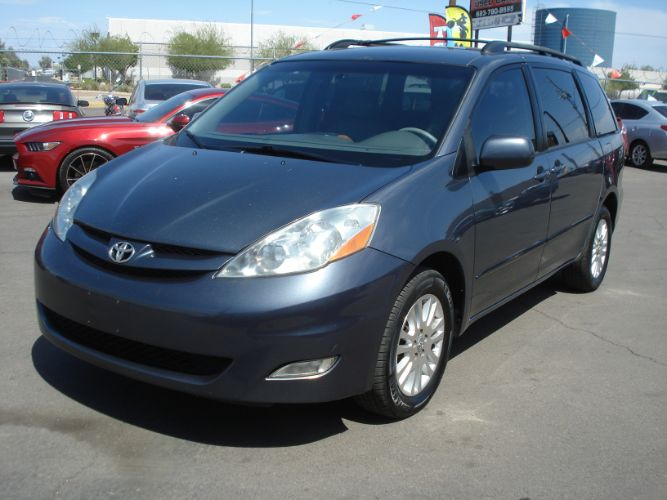 2007 Toyota Sienna Limited, Loaded Leather Nice, Finance Available