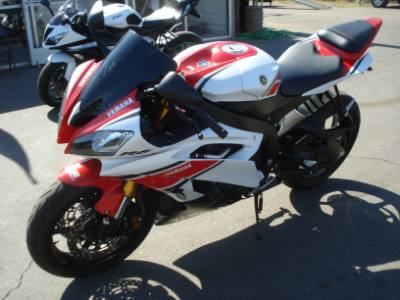 2012 YAMAHA R6 LOW DOWN EASY FINANCE RIDE TODAY!!!