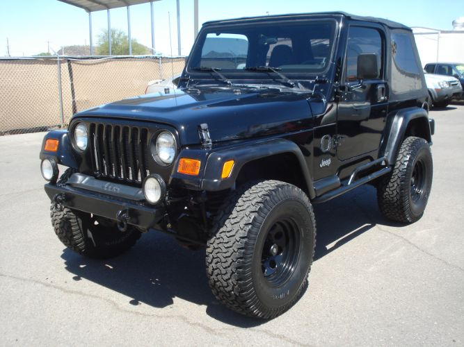 2000 Jeep Wrangler Lifted, AC Automatic 6cyl, New Top