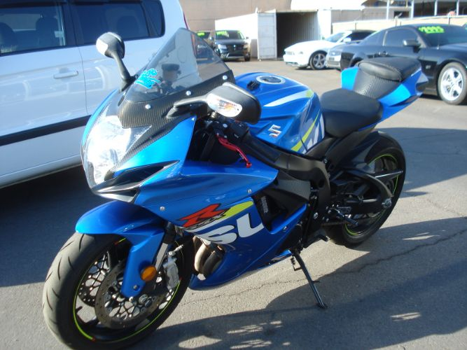 2015 Suzuki GSX-R600 EXTEME LOW MILES FINANCE AVAILBLE