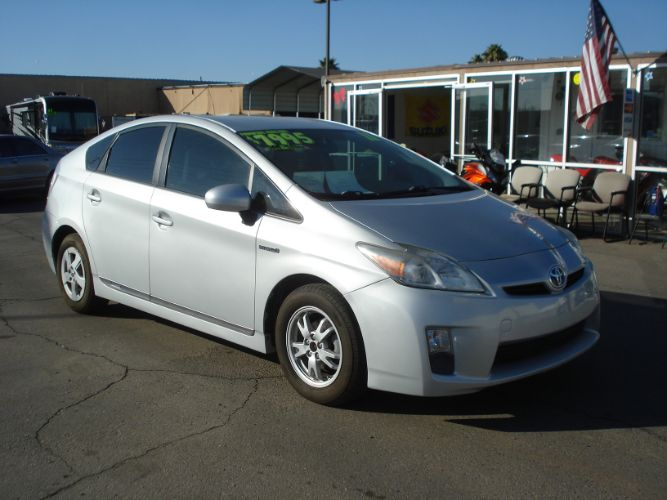 2011 Toyota Prius Finance is EZ Here, Bad Credit No Problem