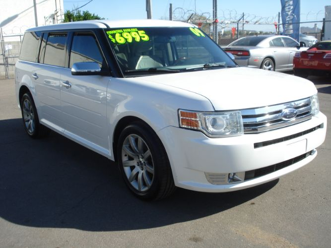 2009 Ford Flex Limited 3rd Row, White Pearl, Loaded, Finance is EZ