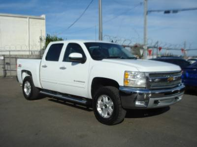 2012 Chevrolet Silverado 1500 Crew Cab 4x4, Leather Loaded, Finance is EZ