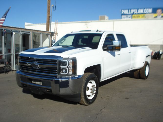 2015 Chevrolet Silverado 3500HD Crew Cab Dually 4x4 Duramax, Finance Available