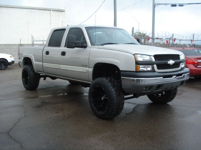 2004 Chevrolet Silverado 2500 Crew Cab Lifted 4wd, Finance is Available