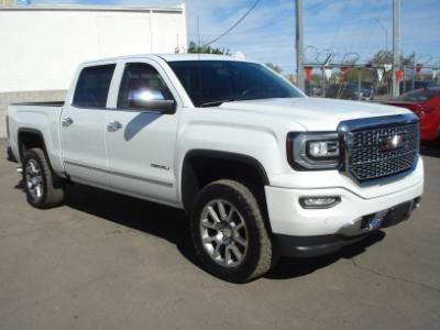2016 GMC Sierra Denali Crew Cab 4x4 Low Miles, Loaded, Finance Available