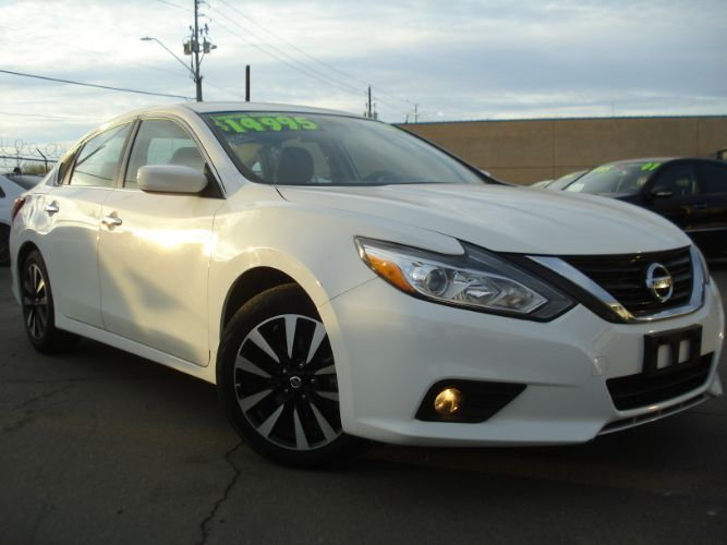 2018 Nissan Altima 2.5 SV Like New White Pearl, Finance Here