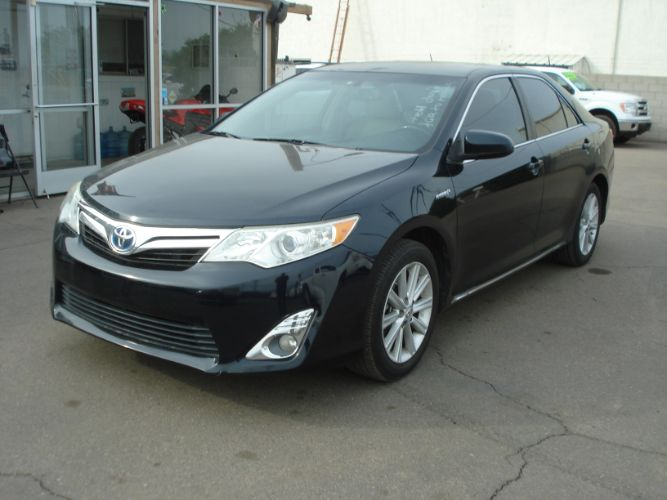 2013 Toyota Camry Hybrid Loaded, Great MPG, Finance Available