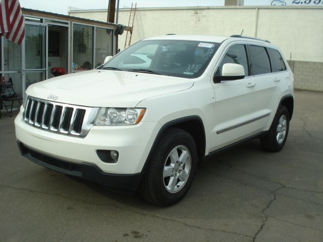 2012 Jeep Grand Cherokee Laredo 4x4, EZ Finance Available