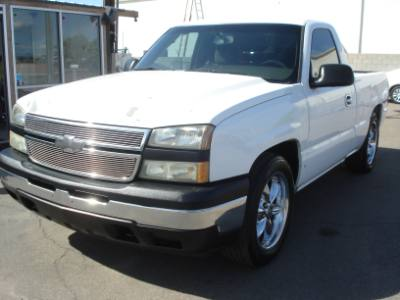 2006 Chevrolet Silverado 1500 Short Bed V8, Nice Wheels, Roll Pan