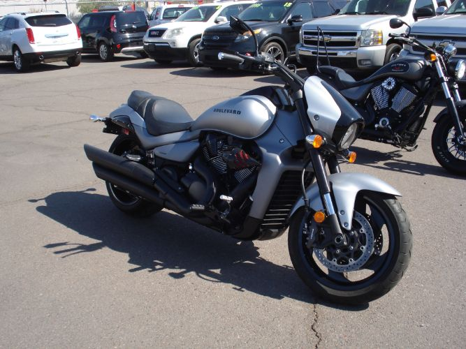 2017 Suzuki M109 BOULEVARD FINANCE AVAILABLE