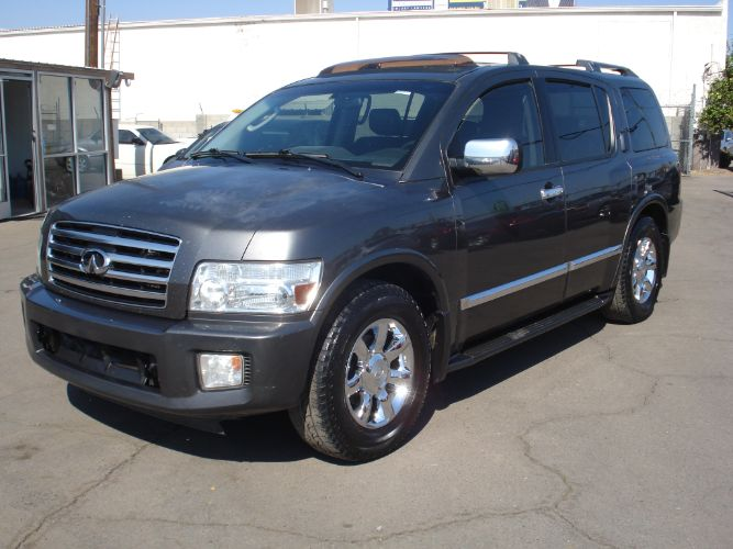 2005 INFINITI QX56 3rd Row, Leather Loaded
