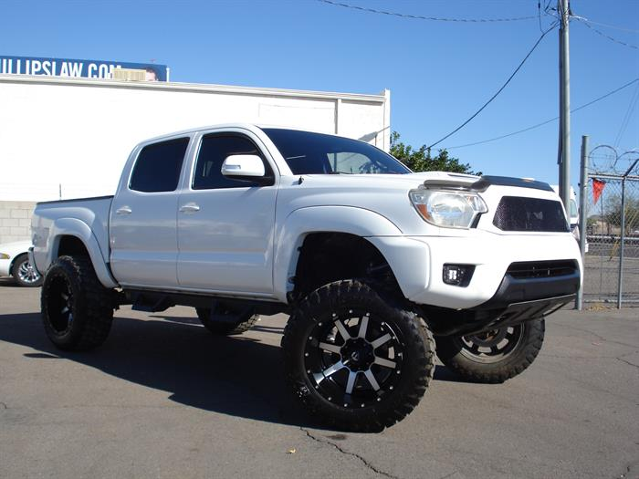2015 Toyota Tacoma Prerunner Lifted Bad Boy, Finance is Available