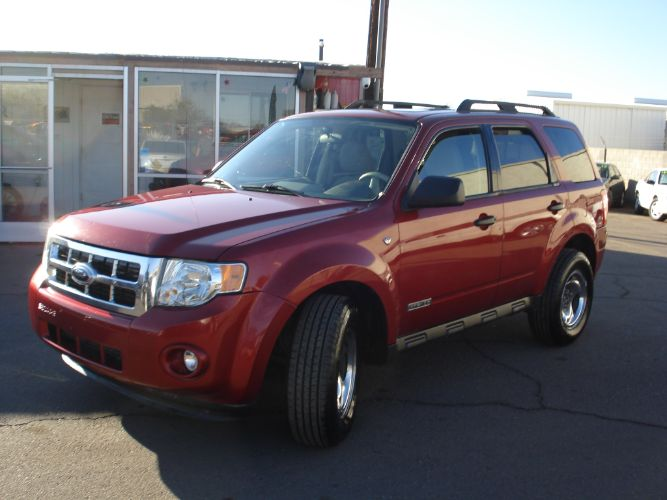 2008 Ford Escape 4x4 XLT, New Tires, Finance Available