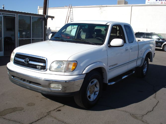 2000 Toyota Tundra V8, Extra Cab, Finance is Available
