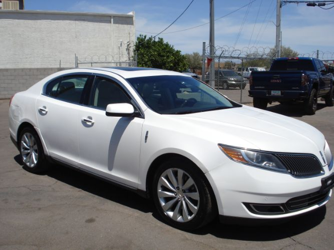 2014 Lincoln MKS Gorgeous White Pearl, EZ Finance Available