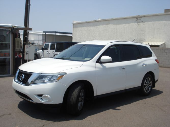 2014 Nissan Pathfinder 3rd Row Seating, Finance Here, Low Down Payment