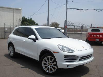 2014 Porsche Cayenne AWD Platinum, Loaded, Finance Available