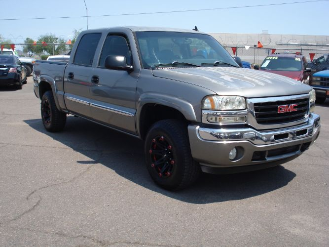 2006 GMC Sierra Crew Cab 1500 4x4, Finance Available With Low Down Payment