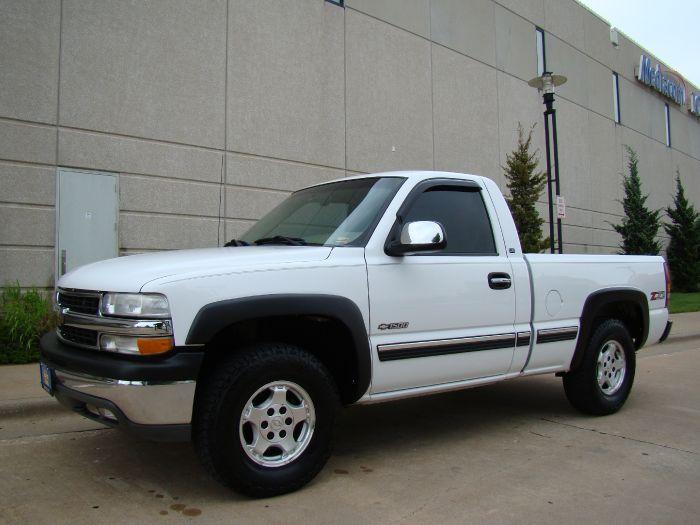2001 Chevrolet Silverado 1500 LS 4X4 V8