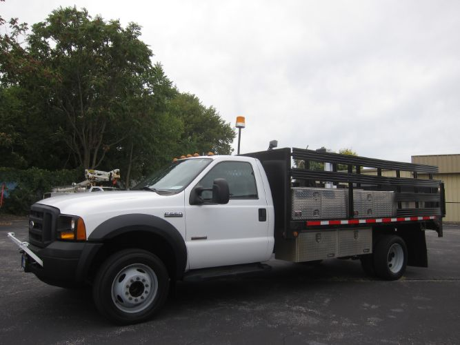 2006 Ford SUPER DUTY F-550 XL DRW DIESEL