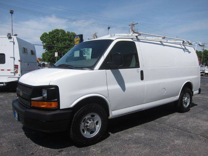 2010 Chevrolet Express Cargo Van 2500 WITH LADDER RACK