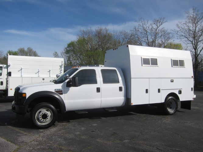 2009 Ford Super Duty F-550 DRW DIESEL CREW CAB ENCLOSED BODY
