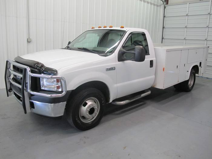 2006 Ford Super Duty F-350 DRW XLT WORK BED