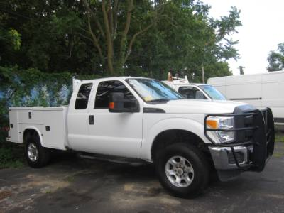 2015 Ford Super Duty F-350 SRW EXTENDED CAB 4X4 6.2 GAS ~ SERVICE BODY