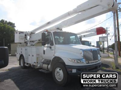 2011 INTERNATIONAL 4400 BUCKET TRUCK ALTEC AA755L-MH
