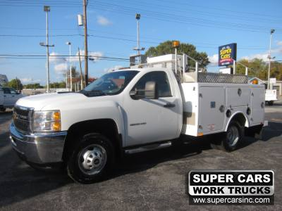 2012 Chevrolet Silverado 3500HD LT 4X4 ENCLOSED