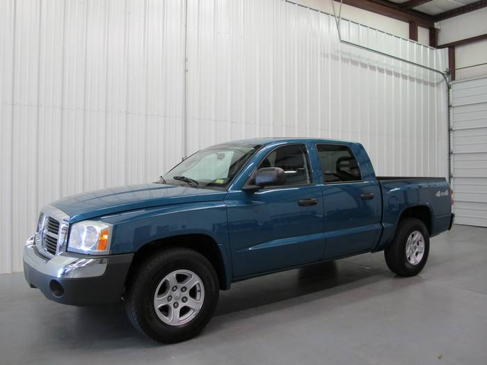 2005 Dodge Dakota SLT 4X4 CREW CAB