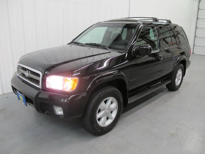 2001 Nissan Pathfinder 4x4 Leather Sunroof