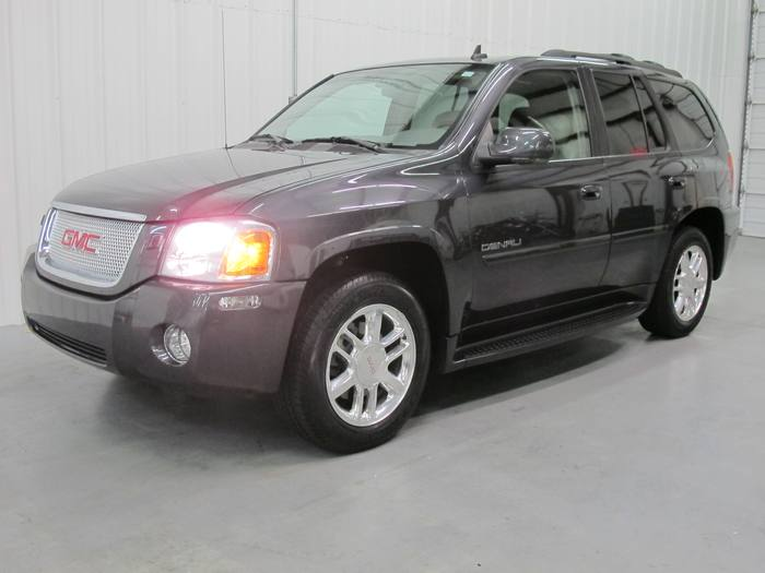2007 GMC Envoy Denali* Leather * DVD* NAV *