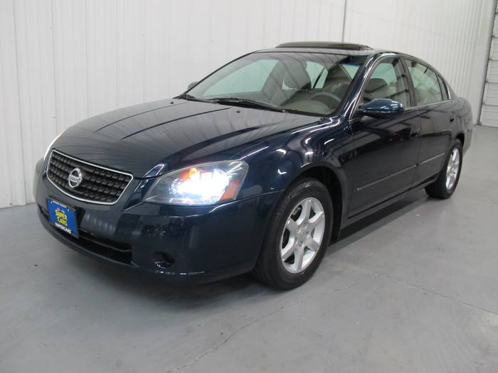 2005 Nissan Altima ONE OWNER LOW MILES HEATED LEATHER SUNROOF