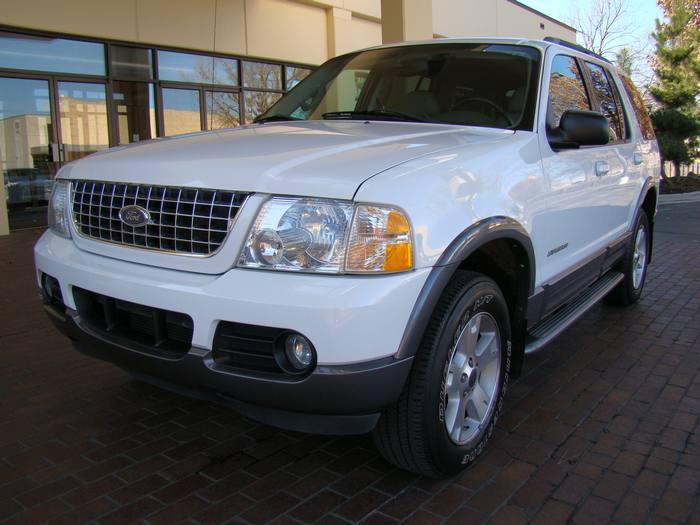 2004 Ford Explorer XLT V8 SERIES 4X4 LEATHER 3RD ROW CD/MP3