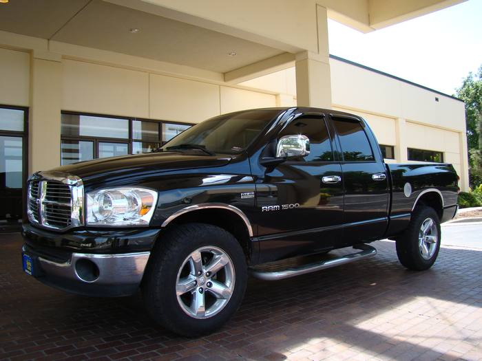 2007 Dodge Ram 1500 QUAD CAB ~ 4X4 ~ 1 OWNER ~ FINANCING!!