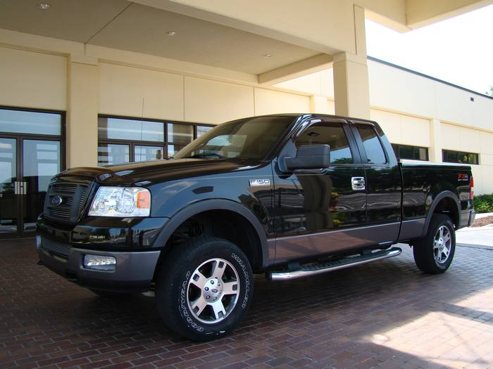 2005 Ford F-150 F 150 - 4 DOOR FX4 / LEATHER / 4X4